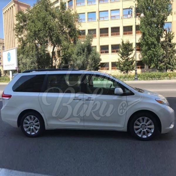 Toyota Previa | Rental minivan in Baku, Azerbaijan