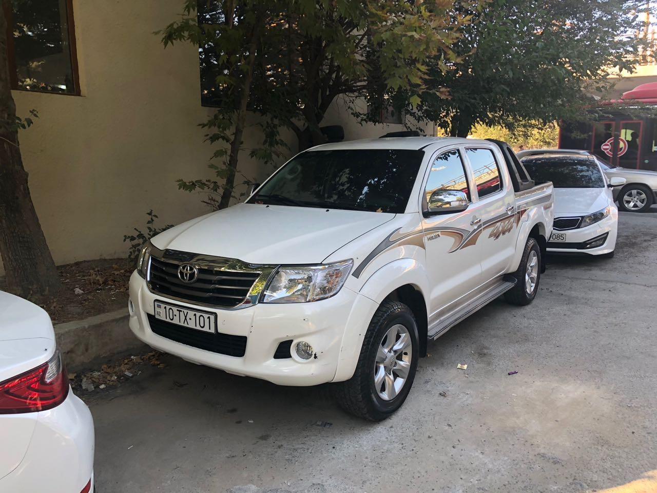 Toyota Hilux / rental cars in Baku / avtomobil kirayesi / аренда машин в Баку
